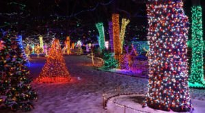 The Magical Christmas Attraction Everyone In Oklahoma Needs To Visit