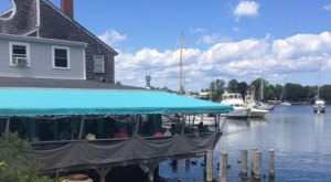 9 Amazing Restaurants Along The Massachusetts Coast You Must Try Before You Die
