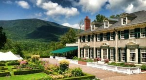 Not Many People Realize This Incredible Palace Is Hiding In Vermont