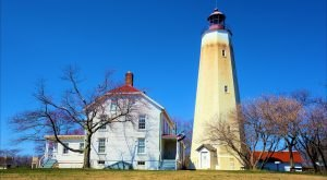 The Oldest Working Lighthouse In America Is Right Here In New Jersey And It's Amazing