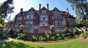The Deadly History Of This Minnesota Mansion Is Terrifying But True