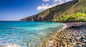 The Jaw Dropping Bay That Is Unlike Anything Else In Hawaii