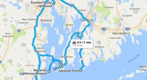 The Lighthouse Road Trip On The Rhode Island Coast That's Dreamily Beautiful