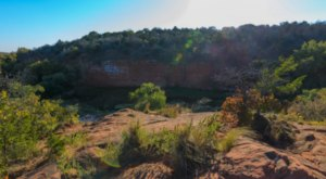 The Unrivaled Canyon Hike In Oklahoma Everyone Should Take At Least Once