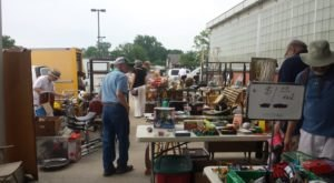 7 Must-Visit Flea Markets In Detroit Where You'll Find Awesome Stuff
