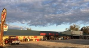 You May Never Want To Leave Arkansas Peddlers, A Massive Antique Mall In Arkansas