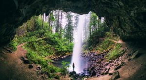 You Can Walk All The Way Around This Stunning Oregon Waterfall