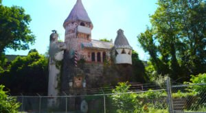 This Abandoned Gingerbread Castle In New Jersey Is Like Something From A Horror Movie