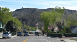 There's A Tiny Town In Nevada Completely Surrounded By Breathtaking Natural Beauty