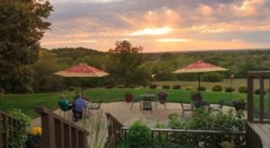 10 Epic Spots To Get Married In Kansas That'll Blow Guests Away