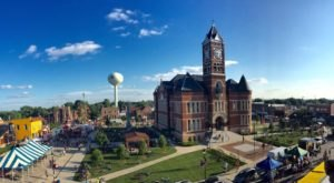 These Might Just Be The 10 Friendliest Towns In Iowa