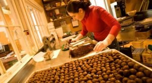 The Chocolate Factory Tour In Vermont That's Everything You've Dreamed Of And More