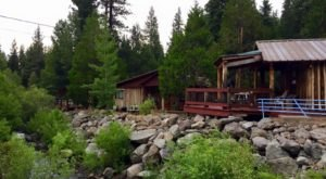 The Little Known Creekside Resort In Northern California That'll Be Your New Favorite Destination