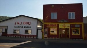 Why People Go Crazy For J And J's Barbecue, A Small Town Eatery In Wisconsin