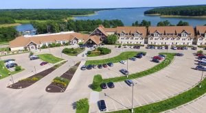 The Lakefront Resort In Iowa That Feels Like Its Own Tiny Town