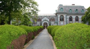 The Fascinating Town In Rhode Island That Is Straight Out Of A Fairy Tale