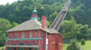 The Oldest Funicular In America Is Right Here In Pittsburgh And It's Amazing