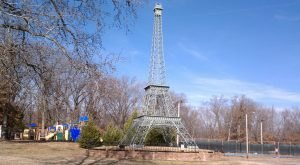 Most People Don't Know There's A Little Eiffel Tower in Tennessee