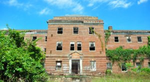 There's Something Chilling About This Abandoned Hospital In Maryland
