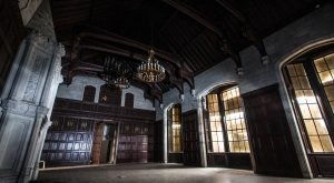 A Photographer Explored An Abandoned Atlanta Mansion And What He Discovered Was Chilling