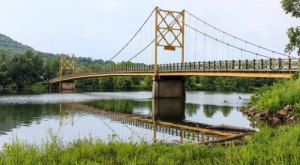 Most People Don't Know There's A Little Golden Gate Bridge In Arkansas