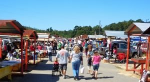 11 Amazing Flea Markets In Alabama You Absolutely Must Visit