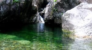The Emerald Swimming Hole In New Hampshire That's Devastatingly Gorgeous