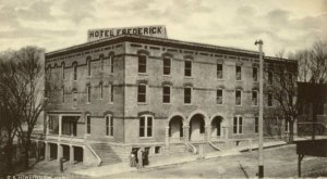 The Historic Hotel In Missouri That Will Transport You Back In Time