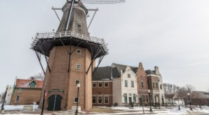 The Fascinating Town In Iowa That Is Straight Out Of A Fairy Tale