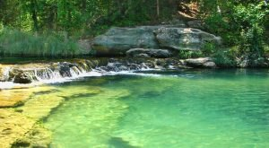 The Sapphire Creek In Oklahoma That's Devastatingly Gorgeous