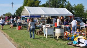 A 100-Mile Yard Sale Goes Right Through Oklahoma And It's Filled With Treasures