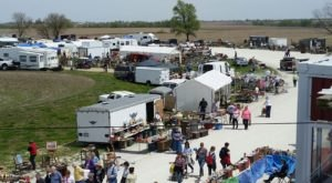 Everyone In Iowa Should Visit This Epic Flea Market At Least Once