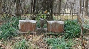 The Story Behind This Ghost Town Cemetery In Mississippi Will Chill You To The Bone