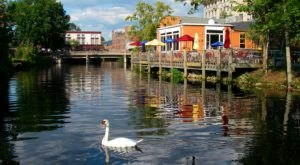 10 Charming River Towns In Connecticut To Visit This Spring