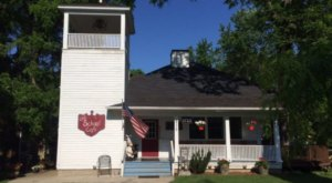 Step Inside The Minnesota Cafe That Used To Be A One Room Schoolhouse