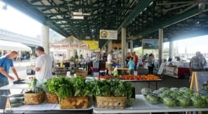 Everyone In Nashville Must Visit This Epic Farmers Market At Least Once
