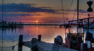 These 5 Charming Waterfront Towns In Texas Are Perfect For A Daytrip