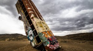 15 Photographs Of The Strangest Abandoned Sites In The Arizona Desert