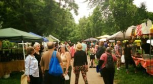 Everyone In Pittsburgh Must Visit This Epic Farmers Market At Least Once