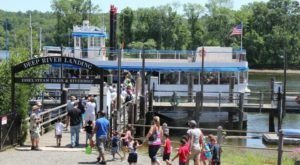 You're Guaranteed To Love A Ride On Connecticut's Awesome Riverboat