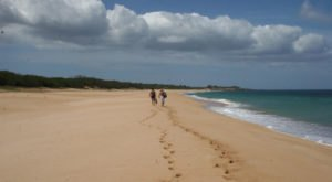 The Largest, Most Secluded Beach In Hawaii Absolutely Needs To Be On Your Island Bucket List