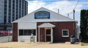 An Unassuming Restaurant In Ohio, New Sandusky Fish Company Serves Amazing Eats