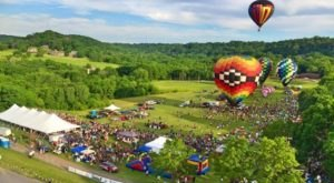 10 Incredible Hot Air Balloon Festivals That Only Happen In Illinois