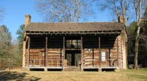 These 8 Historic Log Cabins In Alabama Will Transport You To Another Era