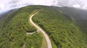 A Beautiful Underrated Drive In North Carolina, The Cherohala Skyway Is Full Of Astonishing Sights