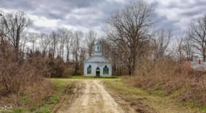 This Ghost Town Chapel In Mississippi Is Hauntingly Beautiful
