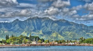 These 11 Charming Waterfront Towns In Hawaii Are Perfect For A Day Trip