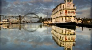 Spend The Night On This Gorgeous Riverboat In Oregon For An Unforgettable Summer Getaway
