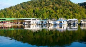 You'll Definitely Want To Visit This Relaxing Kentucky Resort Before Summer Ends