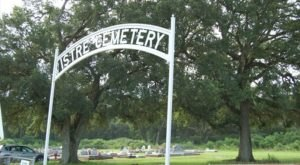 The Mystery Behind This Louisiana Graveyard Has Baffled Historians For Decades